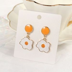 Egg Drop Stud Earring